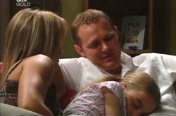 Max Hoyland, Steph Scully, Summer Hoyland in Neighbours Episode 4233
