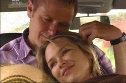 Max Hoyland, Steph Scully in Neighbours Episode 4234