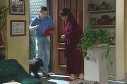 Simon Nicholson, Stella/Blanche, Lyn Scully in Neighbours Episode 4236