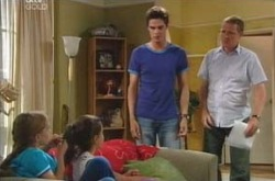 Max Hoyland, Jack Scully, Lisa Jeffries, Summer Hoyland in Neighbours Episode 4237