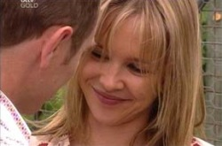 Steph Scully, Max Hoyland in Neighbours Episode 4239