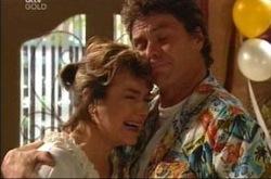 Joe Scully, Lyn Scully in Neighbours Episode 4272
