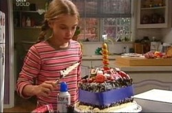 Summer Hoyland in Neighbours Episode 4275