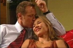 Max Hoyland, Steph Scully in Neighbours Episode 4276