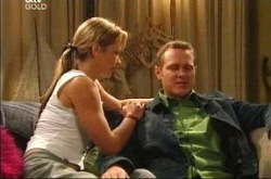 Steph Scully, Max Hoyland in Neighbours Episode 4277