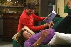 Joe Scully, Lyn Scully, Valda Sheergold in Neighbours Episode 4279