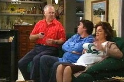 Harold Bishop, Joe Scully, Lyn Scully in Neighbours Episode 4280