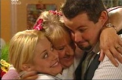 Dee Bliss, Angie Rebecchi, Toadie Rebecchi in Neighbours Episode 4281