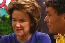 Lyn Scully, Joe Scully in Neighbours Episode 4282