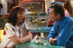 Susan Kennedy, Karl Kennedy in Neighbours Episode 4285