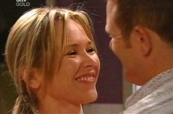 Steph Scully, Max Hoyland in Neighbours Episode 4286