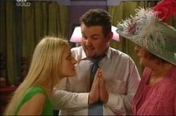 Dee Bliss, Toadie Rebecchi, Angie Rebecchi in Neighbours Episode 4287