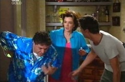 Joe Scully, Lyn Scully, Jack Scully in Neighbours Episode 4288