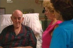 Charlie Cassidy, Valda Sheergold, Lyn Scully in Neighbours Episode 4289