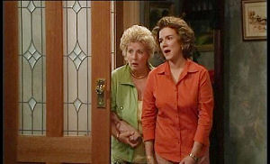 Valda Sheergold, Lyn Scully in Neighbours Episode 4503