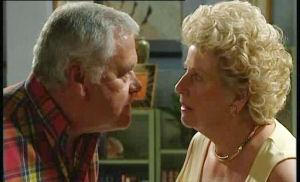 Lou Carpenter, Valda Sheergold in Neighbours Episode 4503