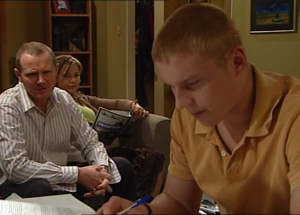 Boyd Hoyland, Steph Scully, Max Hoyland in Neighbours Episode 4845