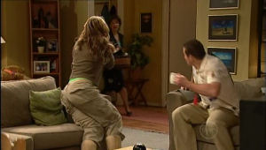 Steph Scully, Lyn Scully, Toadie Rebecchi in Neighbours Episode 5092