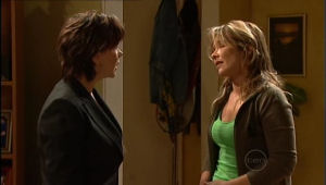 Lyn Scully, Steph Scully in Neighbours Episode 5092