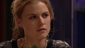 Elle Robinson in Neighbours Episode 5115