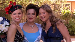 Elle Robinson, Lyn Scully, Steph Scully in Neighbours Episode 5116