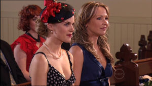 Elle Robinson, Steph Scully in Neighbours Episode 5116
