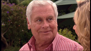 Lou Carpenter, Janelle Timmins in Neighbours Episode 5119