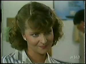 Julie Robinson in Neighbours Episode 0017