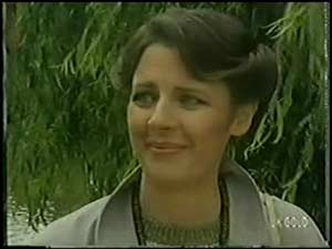 Anna Rossi in Neighbours Episode 0017