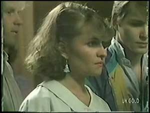 Julie Robinson, Scott Robinson in Neighbours Episode 0017