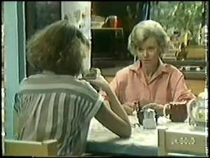 Julie Robinson, Helen Daniels in Neighbours Episode 0018