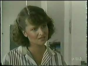 Julie Robinson in Neighbours Episode 0018