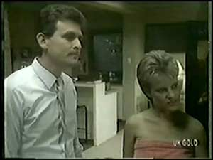 Des Clarke, Daphne Clarke in Neighbours Episode 0018
