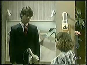 Peter Kirk, Julie Robinson in Neighbours Episode 0018