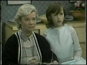 Helen Daniels, Lucy Robinson in Neighbours Episode 0102