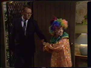 Harold Bishop, Charlene Mitchell in Neighbours Episode 0415