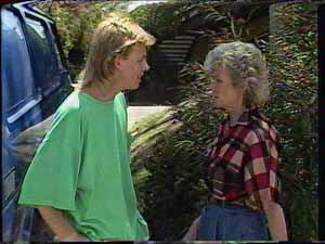 Scott Robinson, Helen Daniels in Neighbours Episode 0417