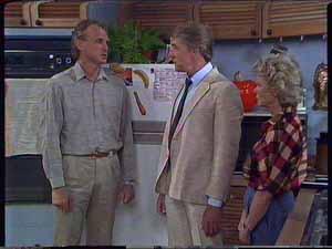 Jim Robinson, Gerard Singer, Helen Daniels in Neighbours Episode 0417
