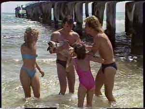 Charlene Mitchell, Mike Young, Basil, Lucy Robinson, Scott Robinson in Neighbours Episode 0418