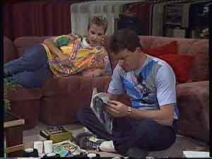 Daphne Clarke, Des Clarke in Neighbours Episode 0418