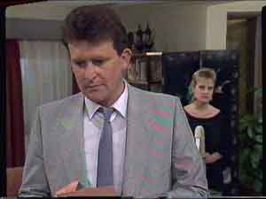 Des Clarke, Daphne Clarke in Neighbours Episode 0420