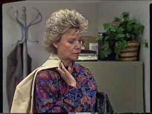 Helen Daniels in Neighbours Episode 0420