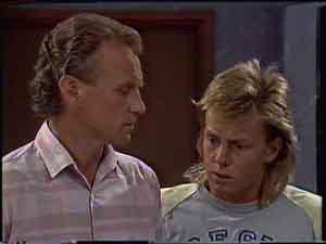 Jim Robinson, Scott Robinson in Neighbours Episode 0421