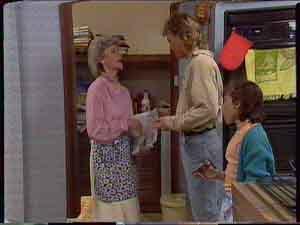 Helen Daniels, Scott Robinson, Lucy Robinson in Neighbours Episode 0422