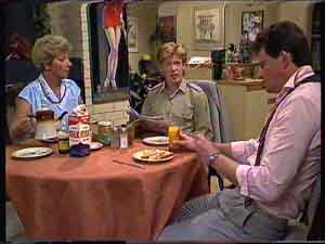 Eileen Clarke, Clive Gibbons, Des Clarke in Neighbours Episode 0422