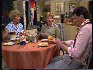 Eileen Clarke, Clive Gibbons, Des Clarke in Neighbours Episode 0422
