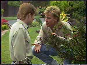 Clive Gibbons, Scott Robinson in Neighbours Episode 0422