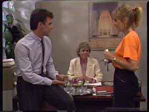 Paul Robinson, Helen Daniels, Jane Harris in Neighbours Episode 0422
