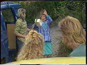 Shane Ramsay, Charlene Mitchell, Nell Mangel, Scott Robinson in Neighbours Episode 0424