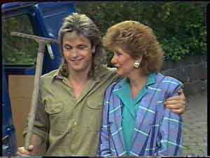 Shane Ramsay, Madge Mitchell in Neighbours Episode 0424
